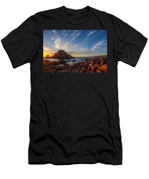 Sugarloaf Rock  Men's T-Shirt (Athletic Fit)