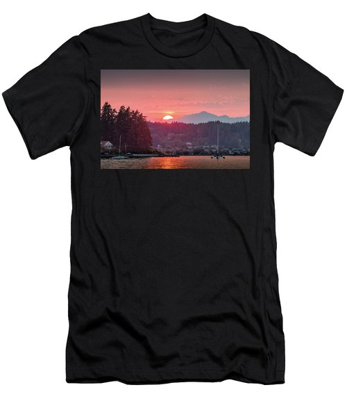 Summer Sunset Over Yukon Harbor.2 Men's T-Shirt (Athletic Fit)