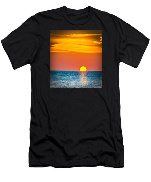 Sunbathing Men's T-Shirt (Athletic Fit)