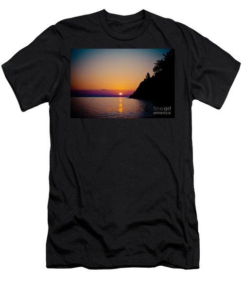 Sunrise And Seascape Men's T-Shirt (Athletic Fit)
