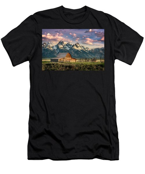 Sunrise In North Moulton Barn Men's T-Shirt (Athletic Fit)