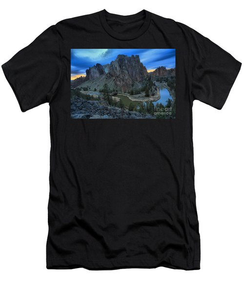 Sunset At Smith Rock Men's T-Shirt (Athletic Fit)