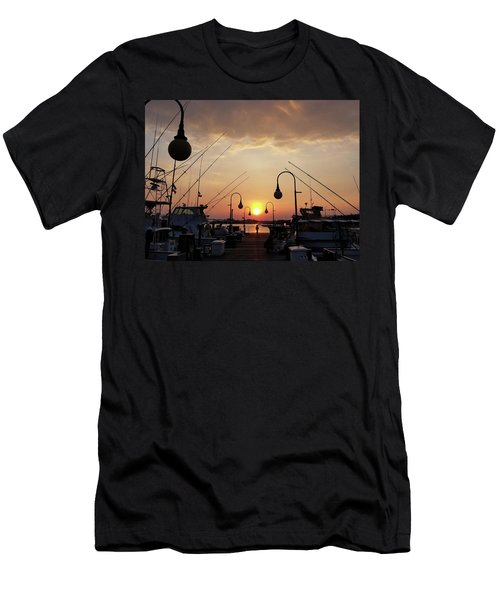 Sunset At The End Of The Talbot St Pier Men's T-Shirt (Athletic Fit)