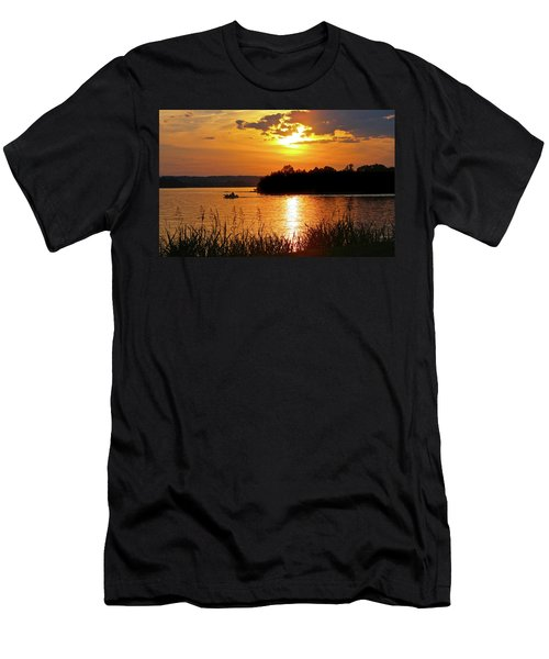 Sunset Boater, Smith Mountain Lake Men's T-Shirt (Athletic Fit)