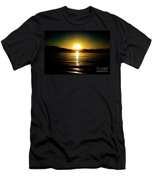 Sunset Lake 2 Men's T-Shirt (Athletic Fit)