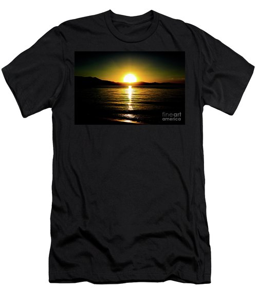 Sunset Lake 2 Men's T-Shirt (Athletic Fit)