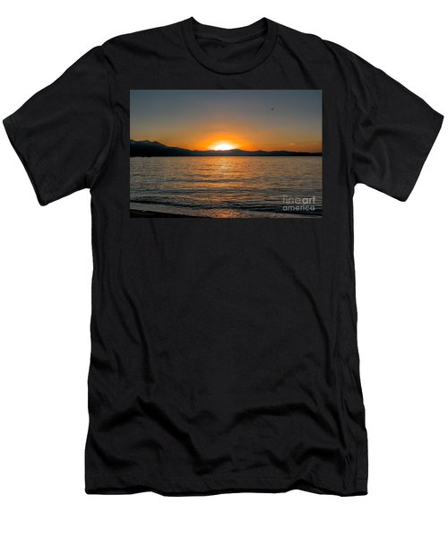 Sunset Lake 3 Men's T-Shirt (Athletic Fit)