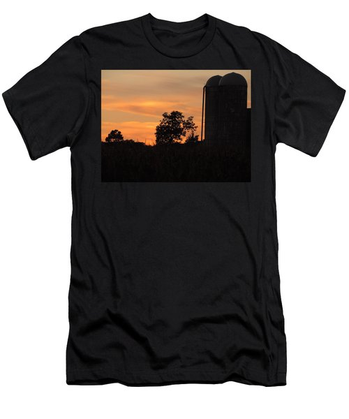 Sunset On The Farm Men's T-Shirt (Athletic Fit)