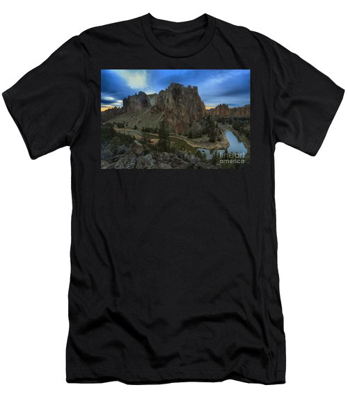Sunset Over The Crooked River Men's T-Shirt (Athletic Fit)