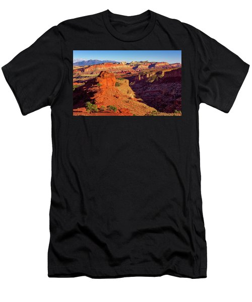 Men's T-Shirt (Athletic Fit) featuring the photograph Sunset Point View by John Hight