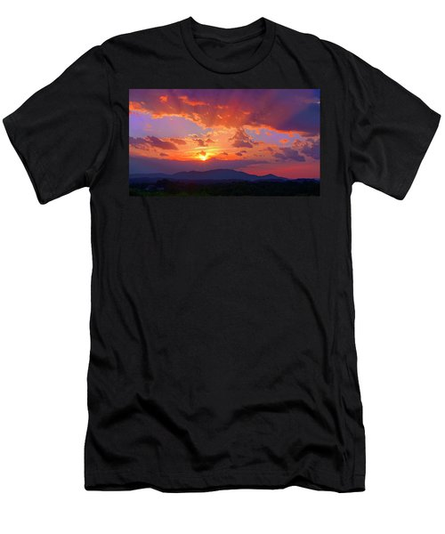 Sunset Rays At Smith Mountain Lake Men's T-Shirt (Athletic Fit)