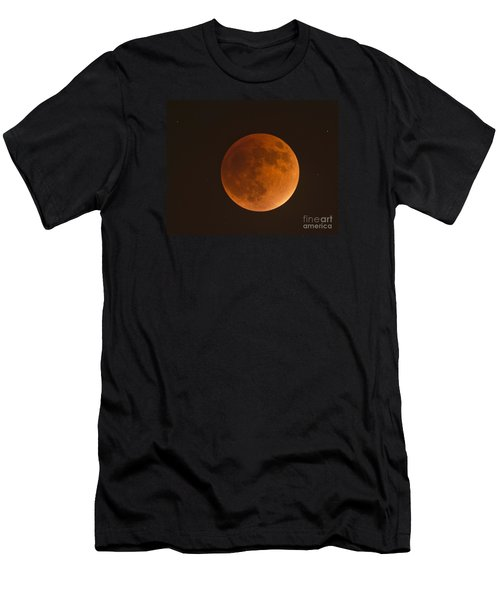 Super Blood Moon Men's T-Shirt (Athletic Fit)