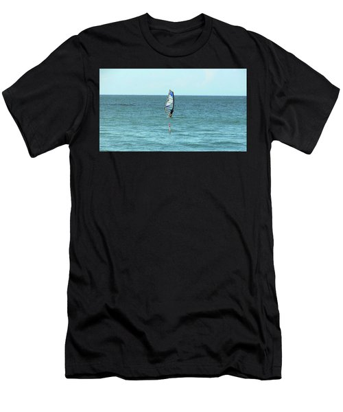 Surfing En Ocean Park Men's T-Shirt (Athletic Fit)