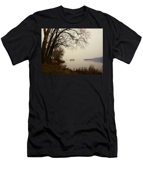 Susquehanna River Near Veterans Memorial Bridge Men's T-Shirt (Athletic Fit)