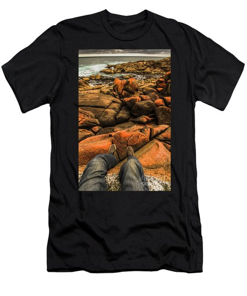 Tasmanian Tourist Kicking Back  Men's T-Shirt (Athletic Fit)