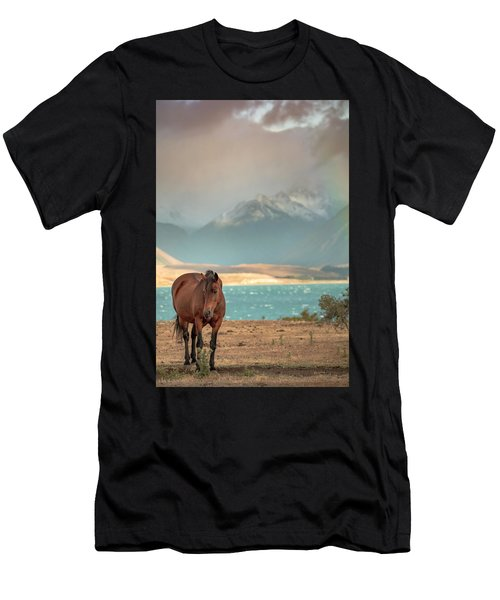 Tekapo Horse Men's T-Shirt (Athletic Fit)