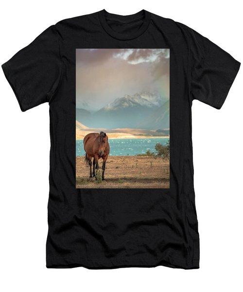 Tekapo Horse Men's T-Shirt (Athletic Fit)