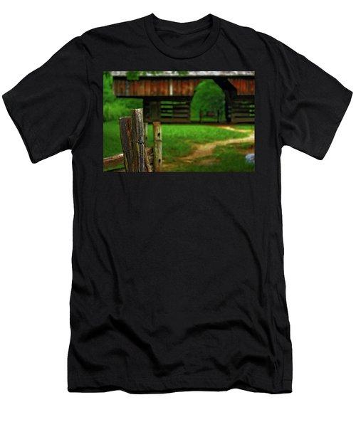 Tennesse Barn Men's T-Shirt (Slim Fit) by Rowana Ray