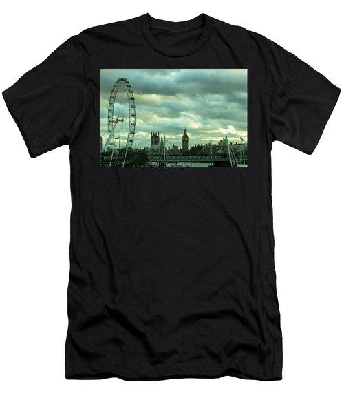 Thames View 1 Men's T-Shirt (Slim Fit) by Steven Richman