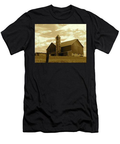 The Amish Silo Barn Men's T-Shirt (Athletic Fit)