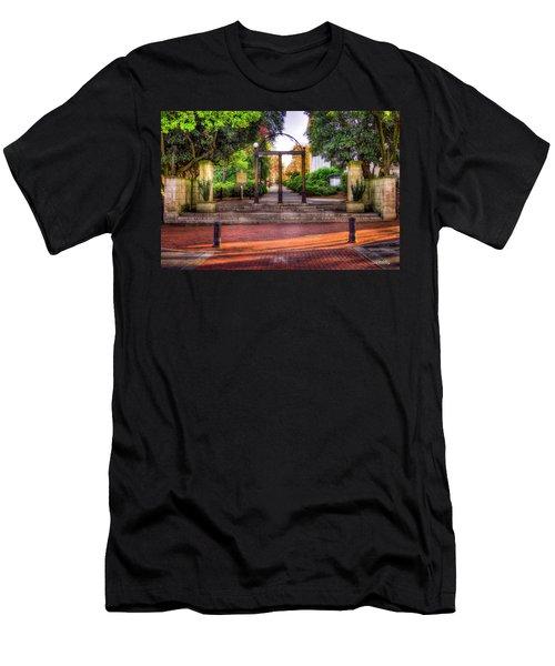 The Arch 4 University Of Georgia Arch Art Men's T-Shirt (Athletic Fit)