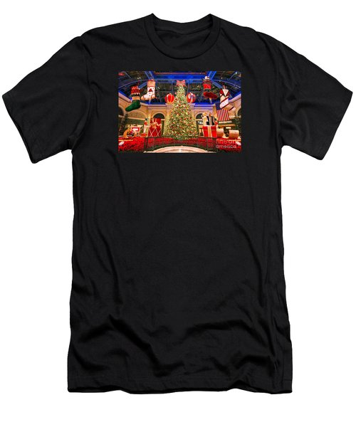 The Bellagio Christmas Tree 2015 Men's T-Shirt (Athletic Fit)