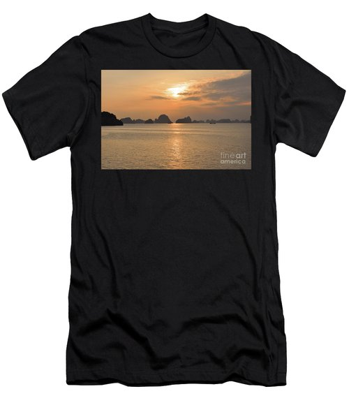 The Edge Of The World Men's T-Shirt (Athletic Fit)