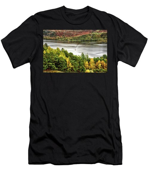 The Ferry Men's T-Shirt (Athletic Fit)
