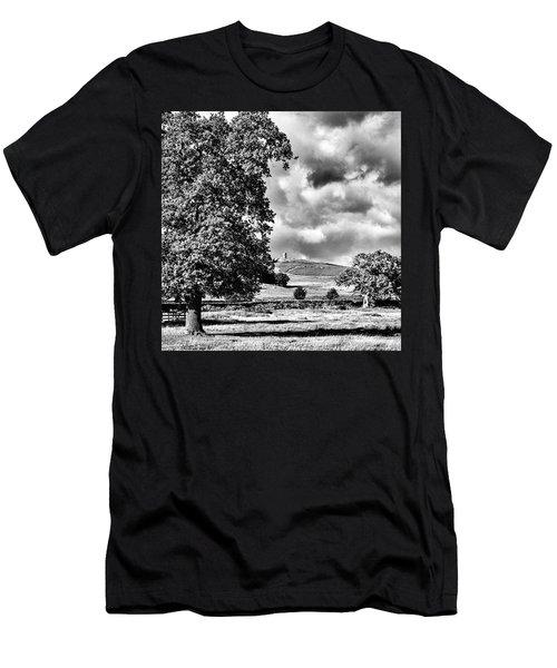 Old John Bradgate Park Men's T-Shirt (Athletic Fit)