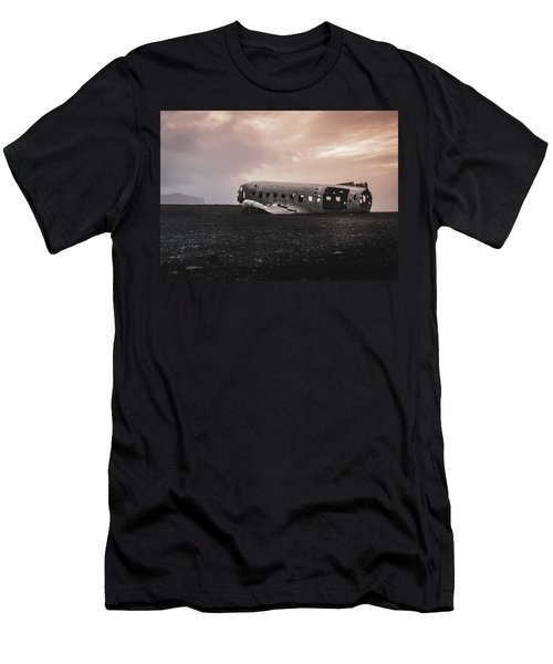 The Ghost - Plane Wreck In Iceland Men's T-Shirt (Athletic Fit)