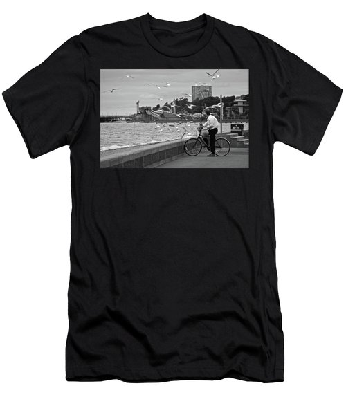 The Gull Man Men's T-Shirt (Athletic Fit)