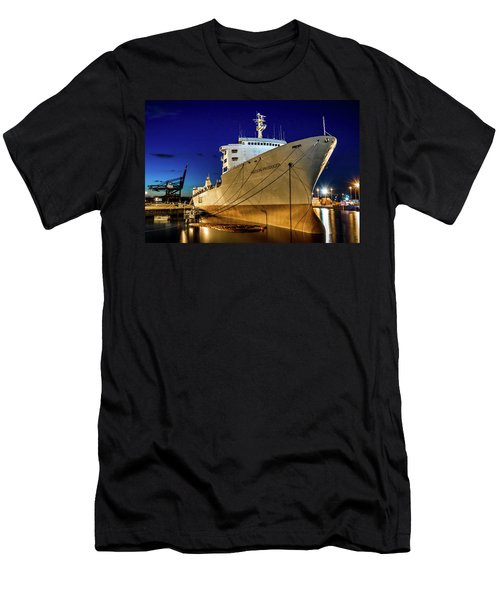 The Matson Producer During Blue Hour Men's T-Shirt (Athletic Fit)