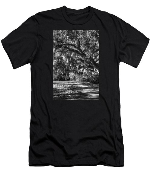The Mighty Oaks 2 Bw Men's T-Shirt (Athletic Fit)