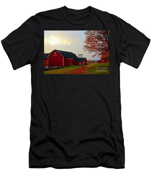 The Orignal Historic Eggle Farms Barn That Burned Down Men's T-Shirt (Athletic Fit)
