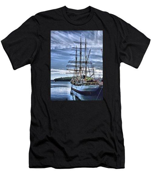 The Picton Castle Docked In Lunenburg Men's T-Shirt (Athletic Fit)