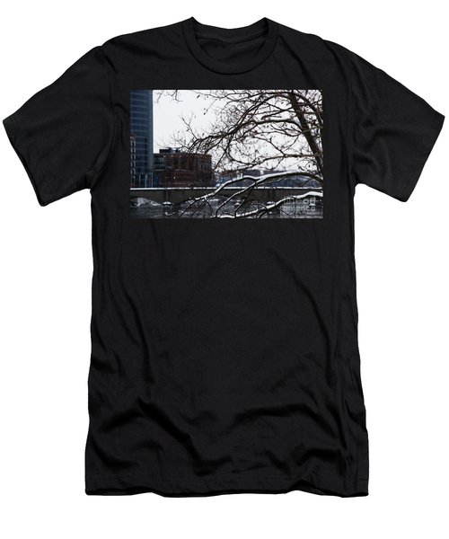 The River Divide Men's T-Shirt (Athletic Fit)