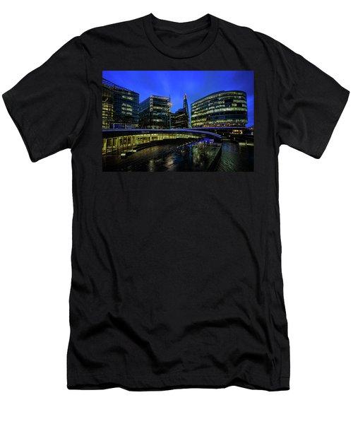 The Scoop Men's T-Shirt (Athletic Fit)
