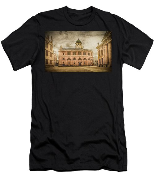 Oxford, England - The Sheldonian Theater Men's T-Shirt (Athletic Fit)