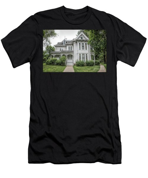 The Summer White House Men's T-Shirt (Athletic Fit)