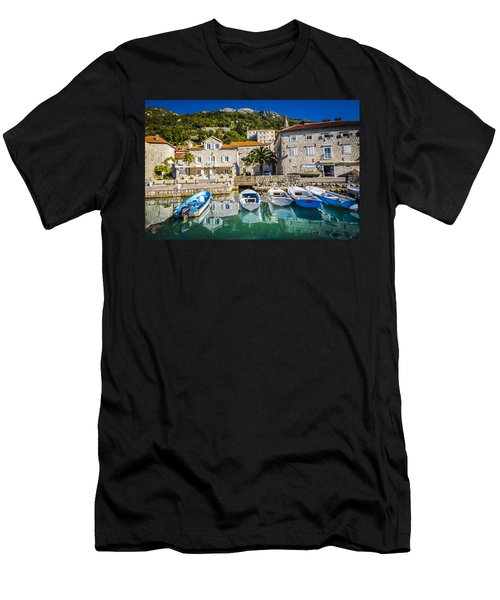 The Waiting Boats Men's T-Shirt (Athletic Fit)