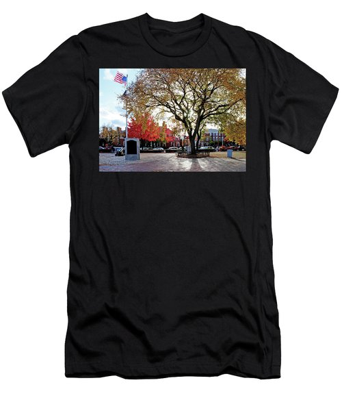 The Washington Elm Men's T-Shirt (Athletic Fit)