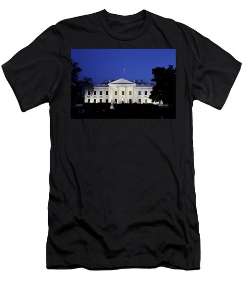 The White House At Night Men's T-Shirt (Athletic Fit)