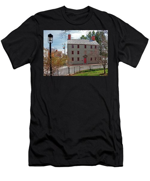 The William Pitt Tavern Men's T-Shirt (Athletic Fit)