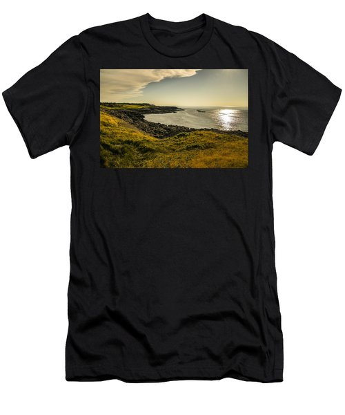 Thinking Sunset Men's T-Shirt (Athletic Fit)