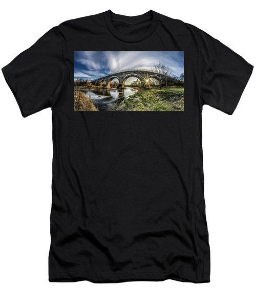 Tiffany Bridge Panorama Men's T-Shirt (Athletic Fit)