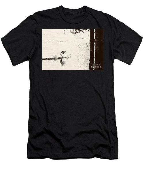 Top Water Explosion - Vintage Tone Men's T-Shirt (Athletic Fit)