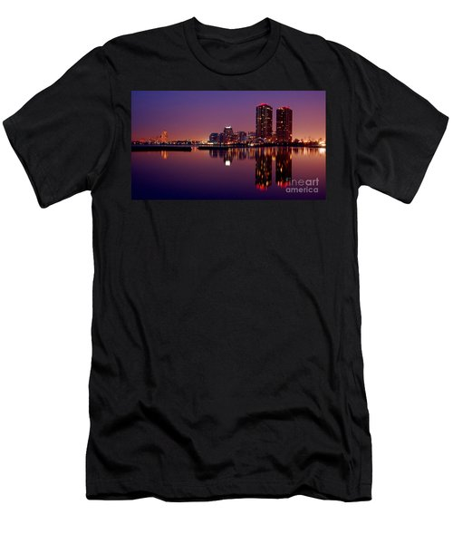 Toronto Cracking Dawn Men's T-Shirt (Athletic Fit)