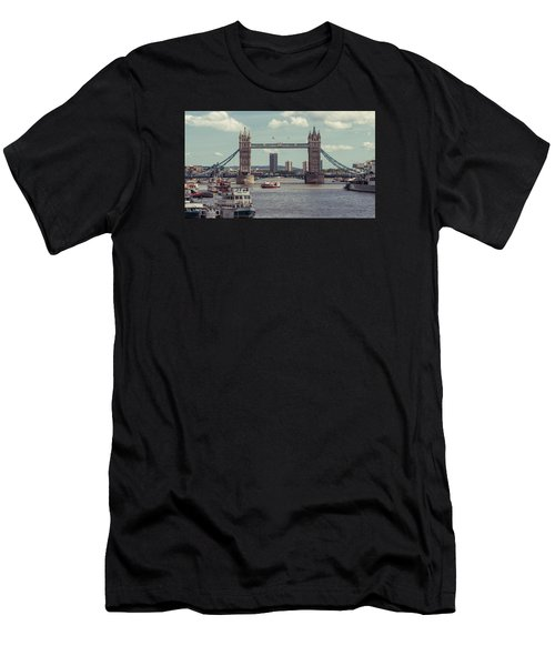 Tower Bridge B Men's T-Shirt (Athletic Fit)