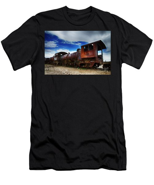 Train Graveyard Uyuni Bolivia 15 Men's T-Shirt (Athletic Fit)