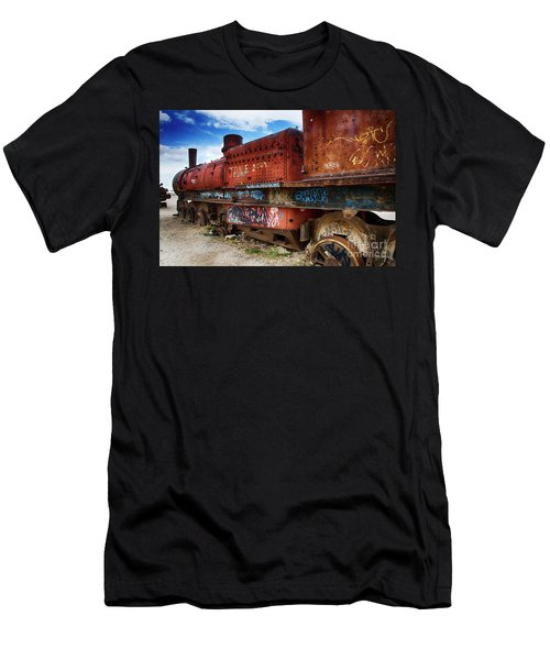 Train Graveyard Uyuni Bolivia 18 Men's T-Shirt (Athletic Fit)